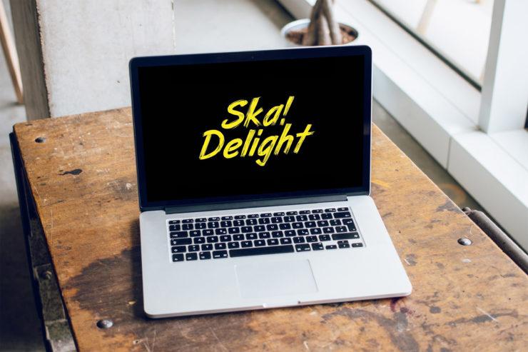 Ska Delight na ekranie laptopa